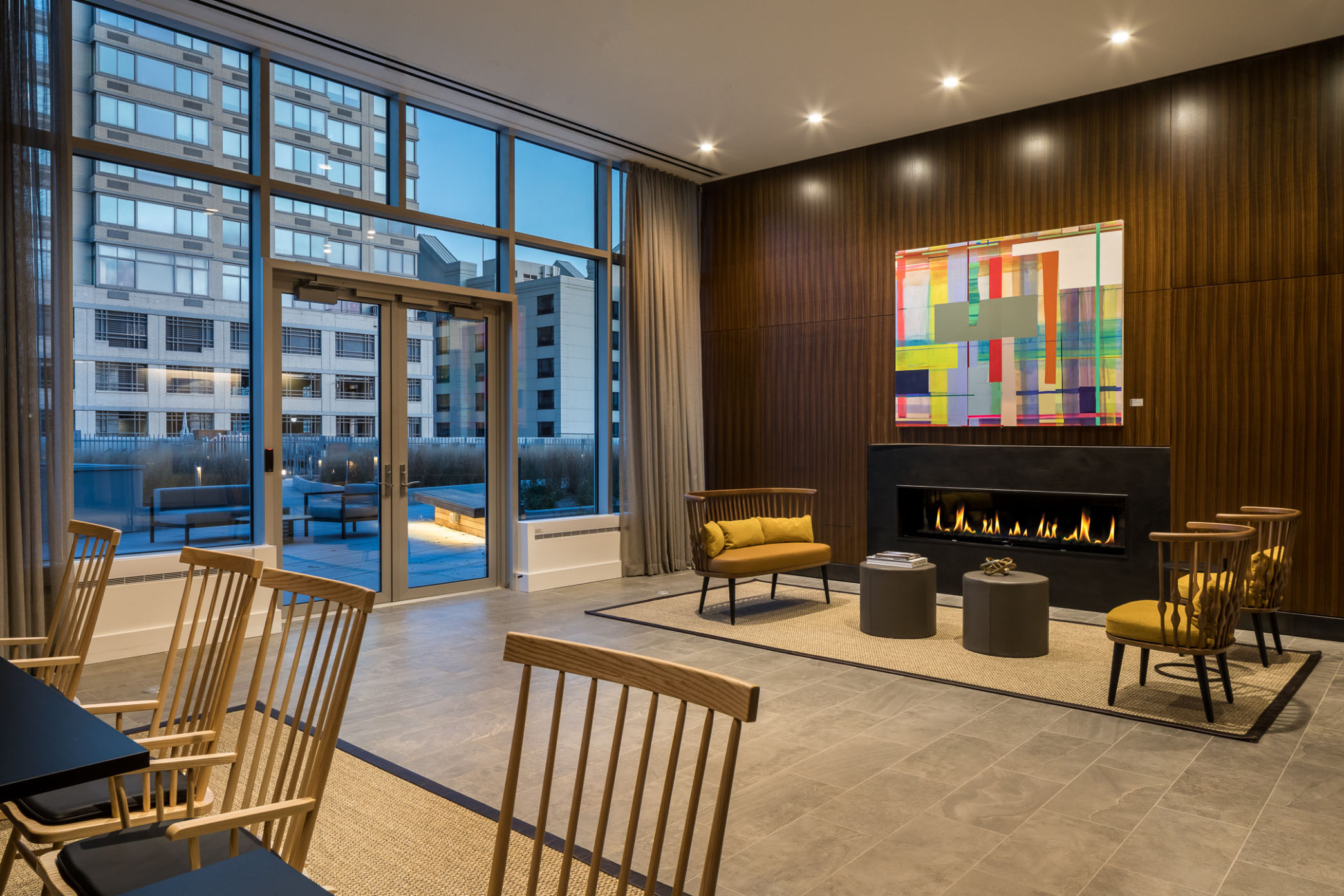 Fireplace-Artwork-Lounge