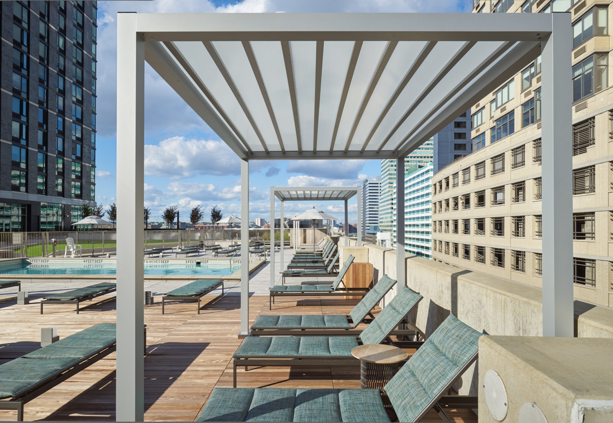 vyv south rooftop lounge chairs by the pool