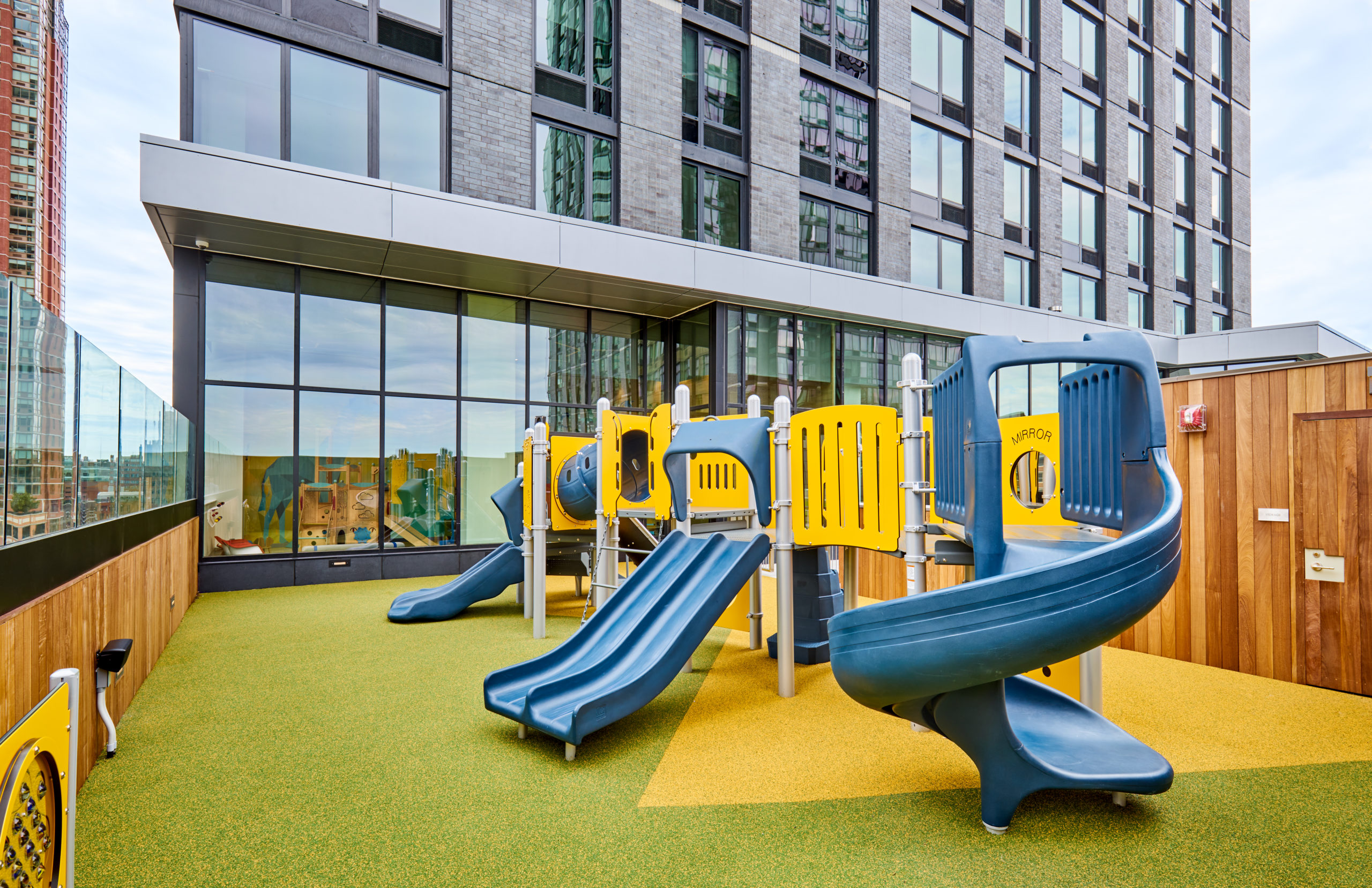 vyv south rooftop kids playground